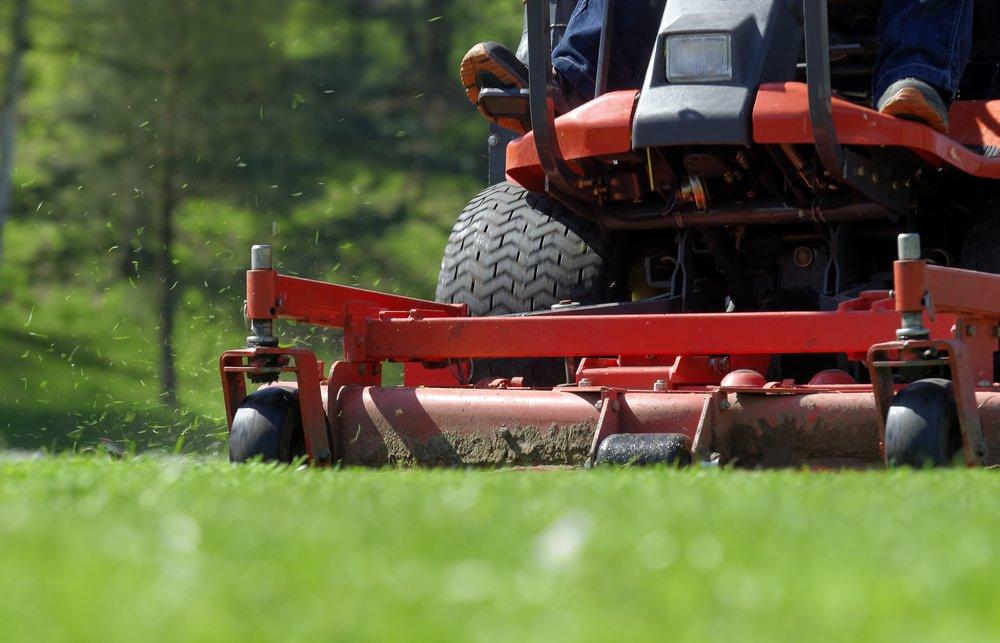 Ronkonkoma NY Lawn Mowing Service 3